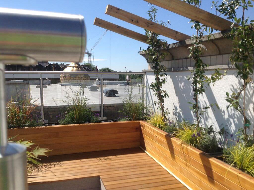 Contemporary Garden Designs   Stunning Garden Ideas ...