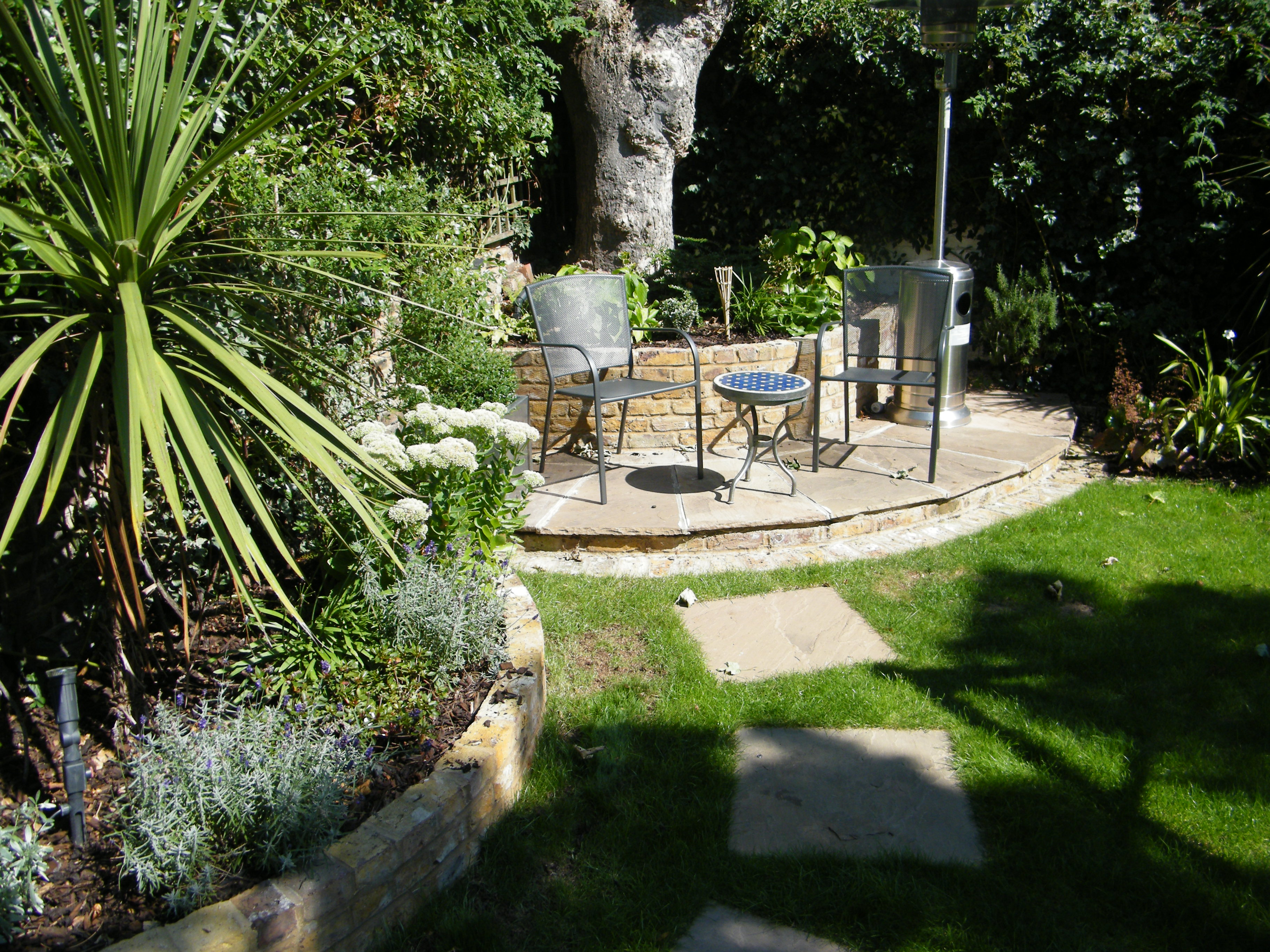 Minimalist Gardens Design | Floral & Hardy | London | UK on Backyard Designs  id=93295