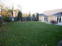 picture of the garden before the makeover