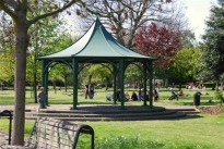 image of pagoda in Shadwell Park