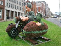 image of Wallace and Gromit topiary