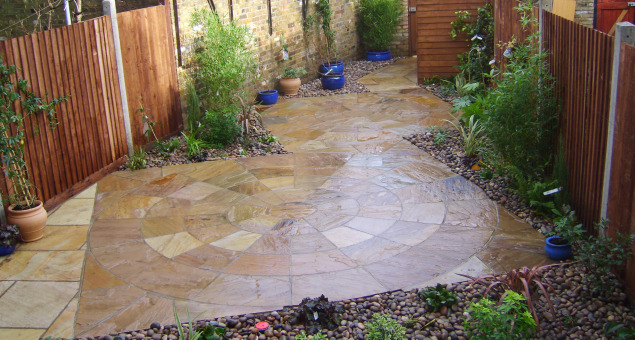 Paved Courtyard Floral Hardy London Uk