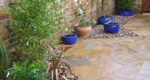 Paved Courtyard - 635x340_crop1072