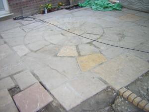 Long Thin Suburban - beckenham-patio-construction