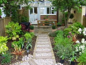 Long Thin Suburban - beckenham-planting