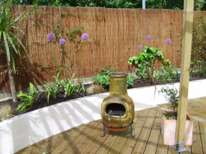 Urban Space for Entertaining - chiminea-and-planting