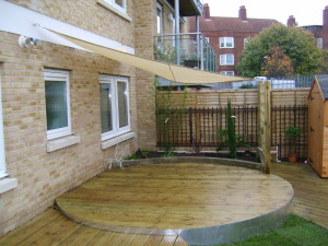 Urban Space for Entertaining - city-of-london-decking