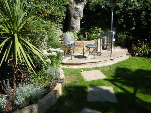 Glass Balustrade & Bi-fold Doors - garden-design-blackheath