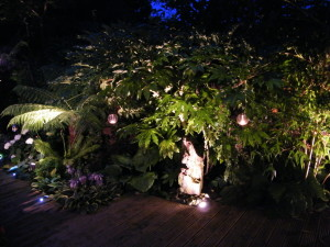 Lush Tropical - garden-lighting-2