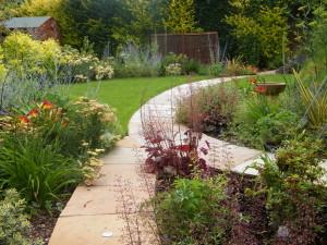 Modern & Traditional Meet - greenwich-garden-design