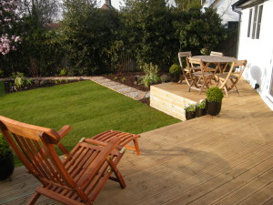 Contemporary Squares - hayes-garden-decking