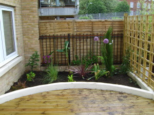 Urban Space for Entertaining - london-flower-bed