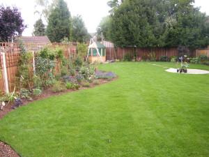 Traditional but Modern Garden - looking-good-2