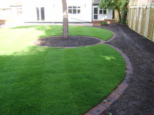 Round in Circles - lovely-lawn