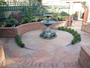 Small Courtyard for Lady of Leisure - new-bromley-water-feature