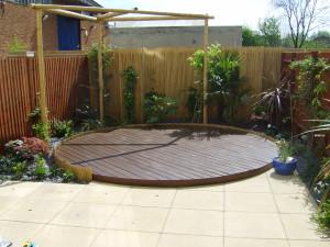 Small Modern Garden - new-decking-uxbridge