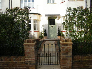 Dulwich Village Delight - new-front-garden-dulwich