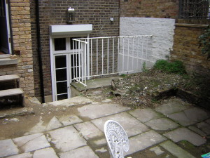 Small Georgian Town House - old-chelsea-courtyard