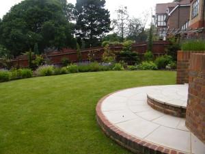 Garden Kitchen - round-stepping