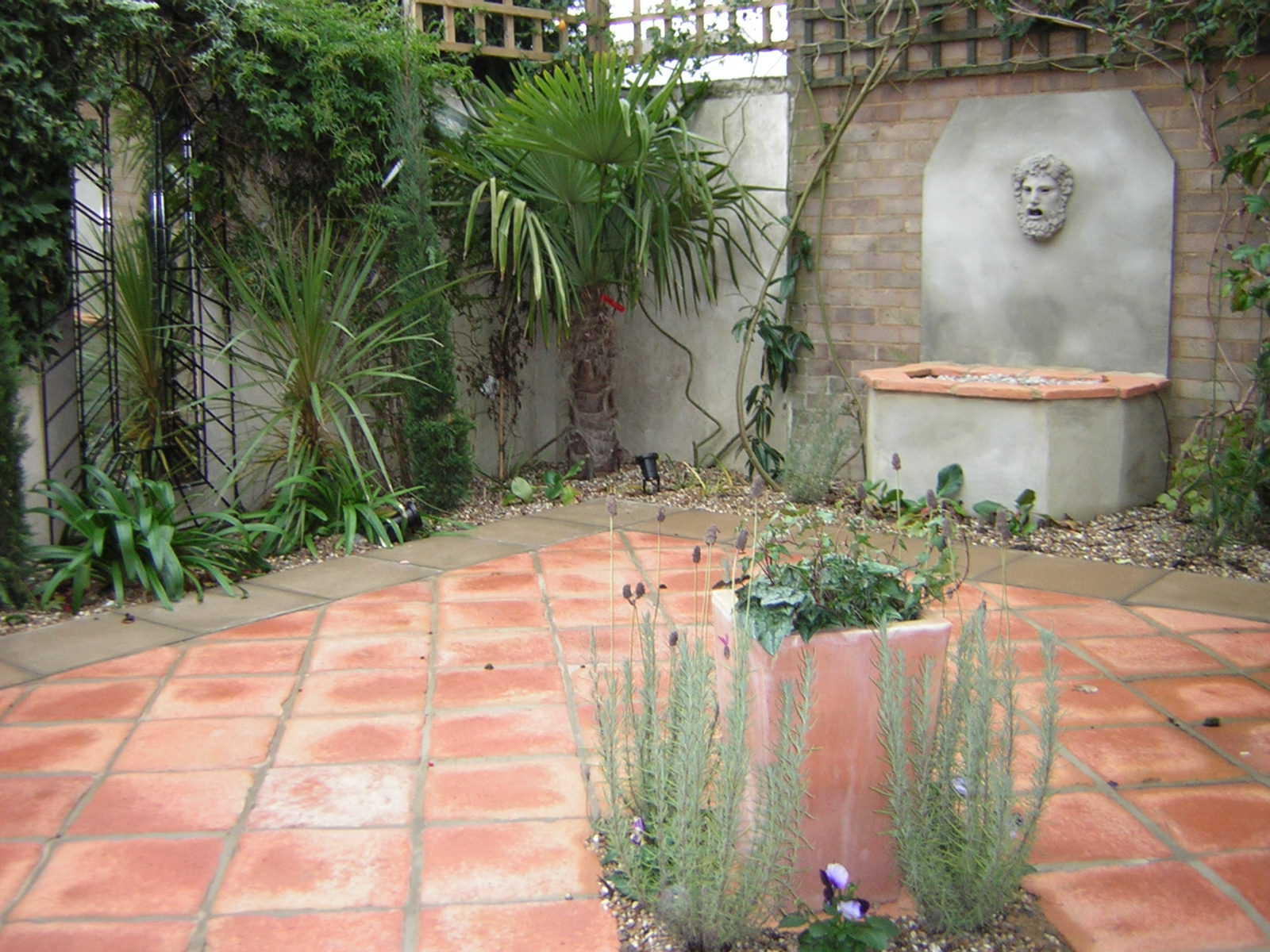 picture How to Build a Small Garden Path