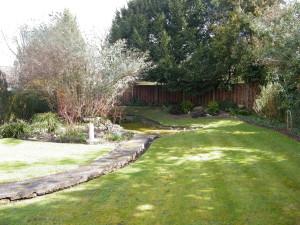 Traditional but Modern Garden - the-old-garden-space