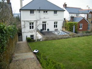 Garden Design Oxted - long-shot-of-the-house