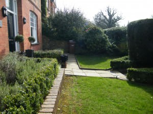 Garden Design Oxted - side-shot-of-the-front