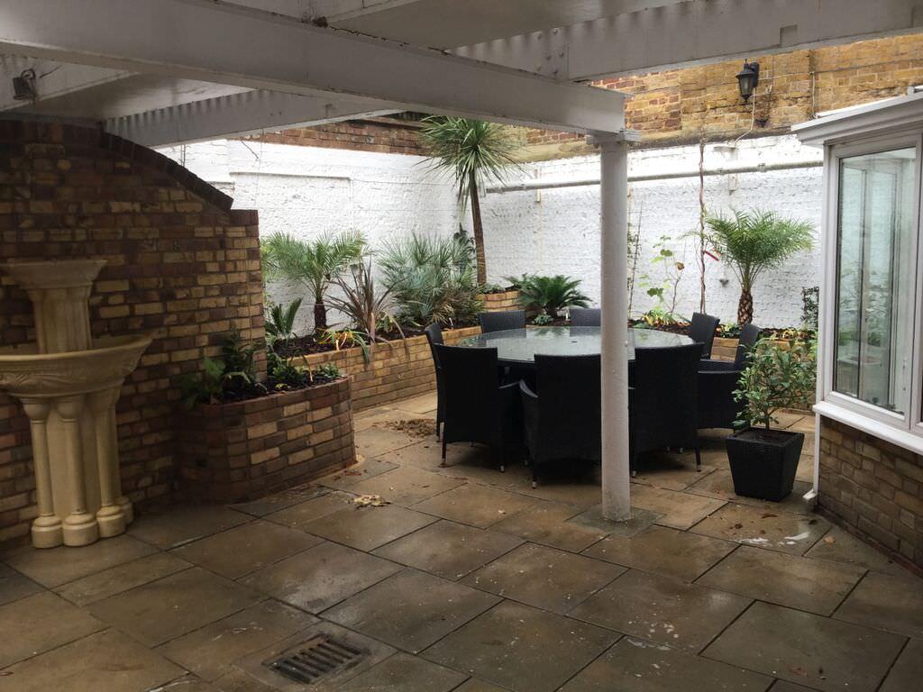Vauhall Garden Design Portfolio   Floral & Hardy