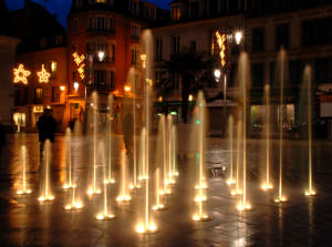 golden-fountain-1169847-639x474