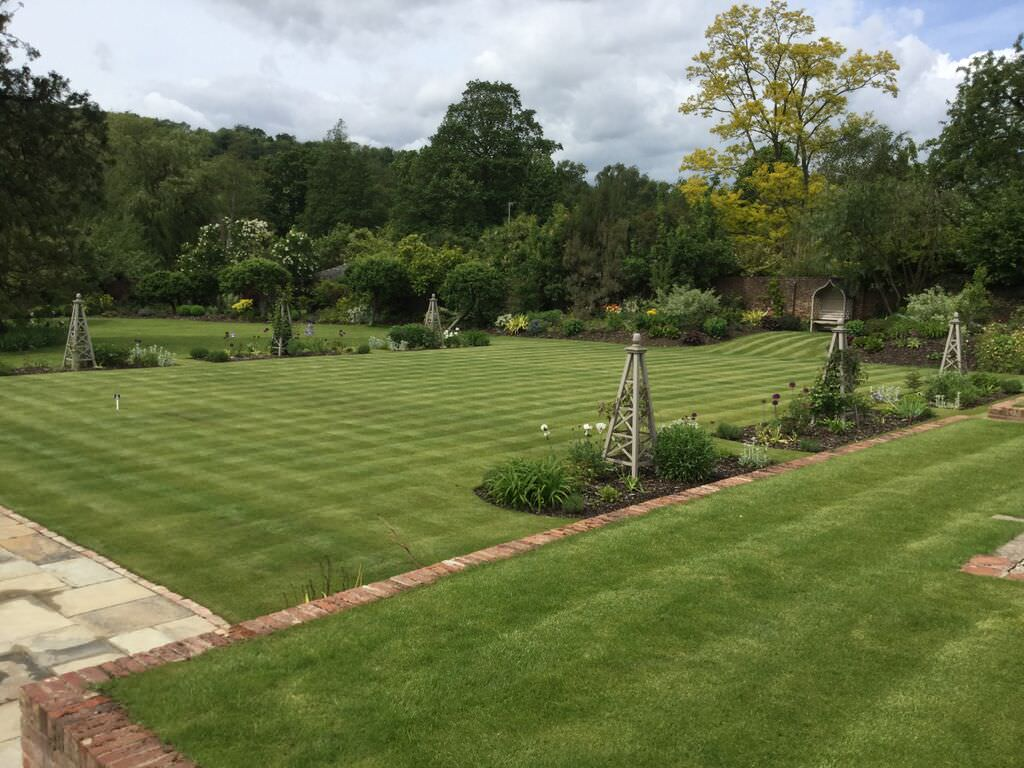 One Acre More - Large Garden Design Ideas - Floral & Hardy