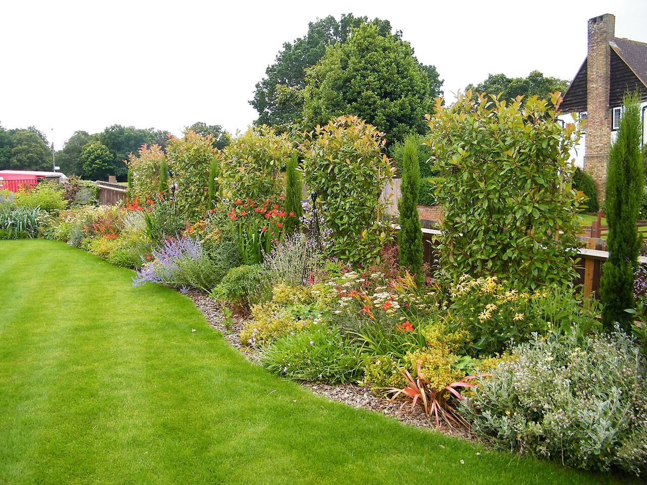 Large Garden Design | Floral & Hardy | London | UK on Long Backyard Landscaping Ideas id=21360